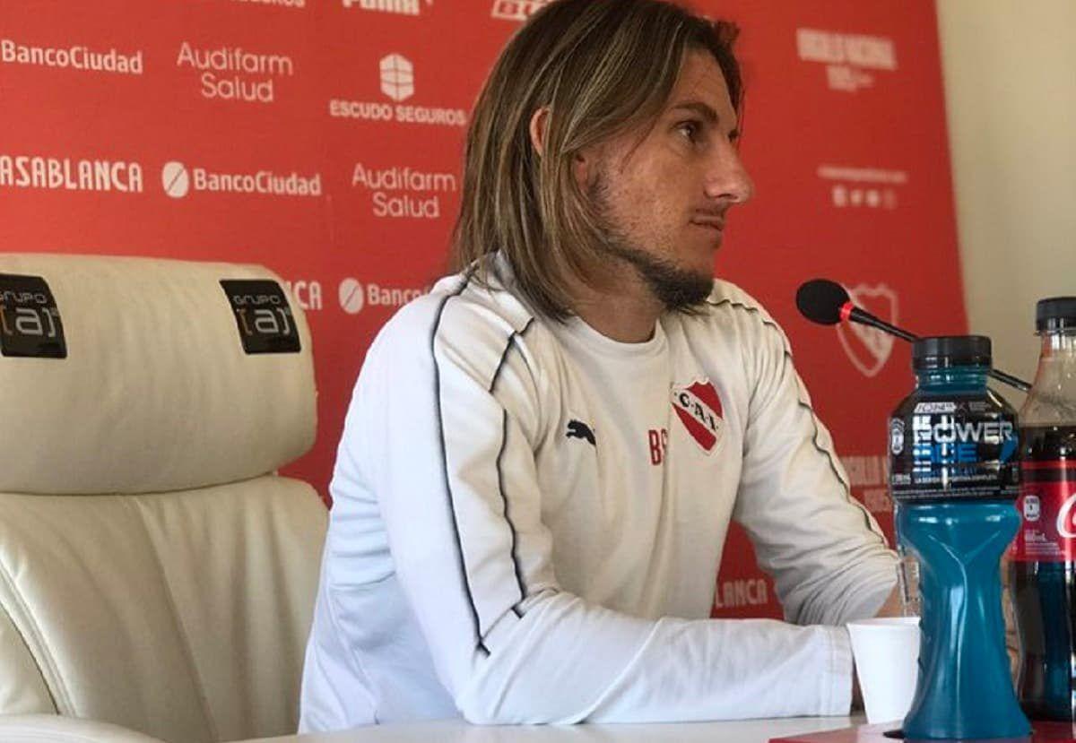 Atlético Tucumán vs Independiente, un duelo de técnicos en la cuerda floja