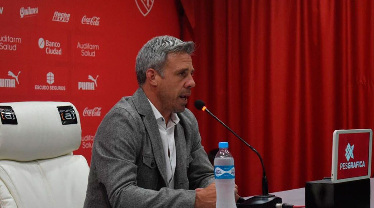 """Lucas Pusineri: """"En mi búsqueda estará siempre el tratar de armar el mejor  equipo"""" • Independiente hoy"""
