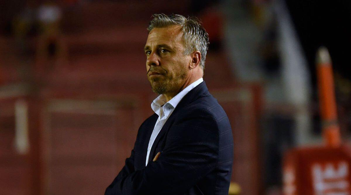 Lucas Pusineri: «A la vuelta del fútbol habrá que hacer una mini pretemporada»