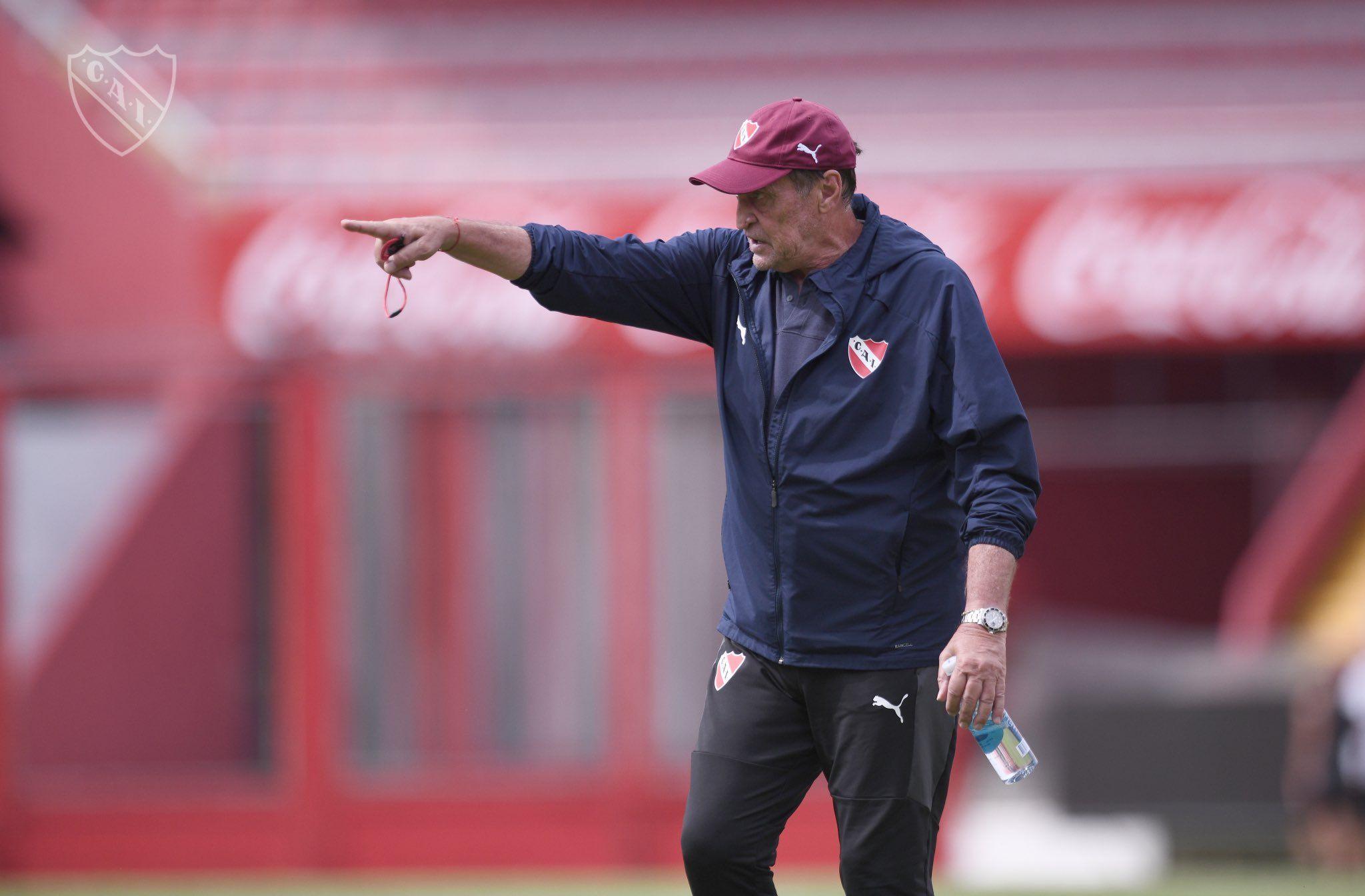 Julio César Falcioni entrenador Rojo